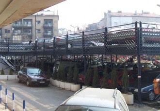 Belgrade, Serbia, 2002 (98 parking spaces)
